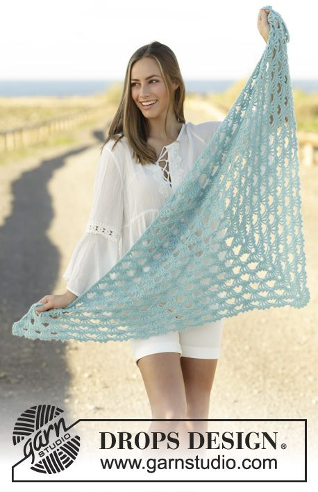 Crochet shawl with fan pattern in DROPS Baby Merino and DROPS Brushed Alpaca Silk, worked top down. Free pattern by DROPS Design.
