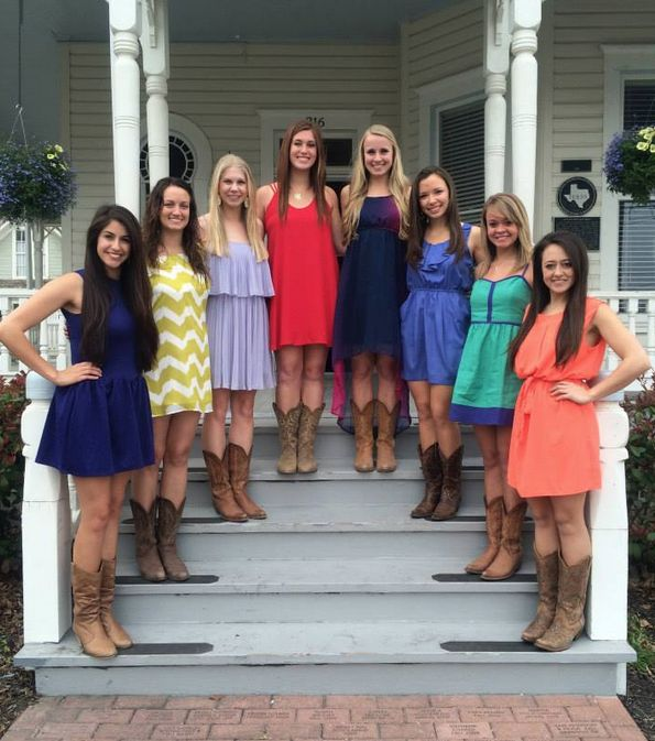 sorority fashions ~ texas style!❤