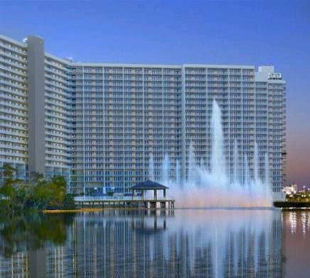 Dog friendly hotel in Panama City Beach, FL - Sterling Resorts - Laketown Wharf