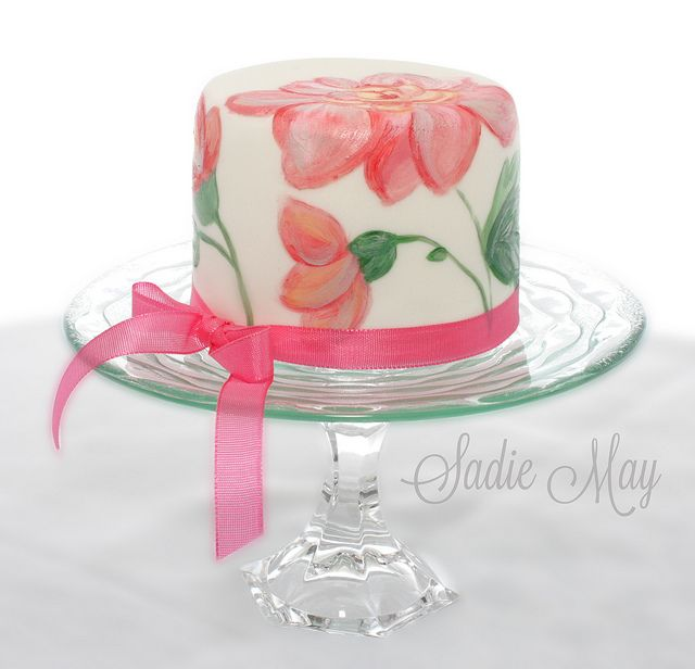 Hand Painted Mini Cake. This is so pretty for a wedding or celebration! I really like the handpainted cakes.