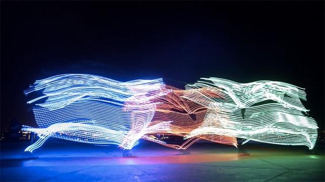 Light Emitting Dudes – LED Freerunning