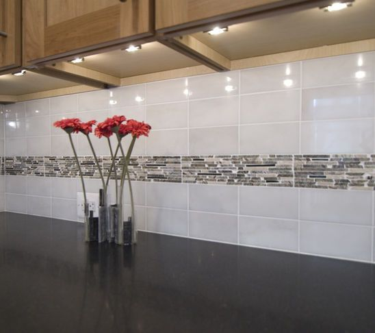 Kitchen Backsplash With Glass Tile Accents: 14 Best Simple Backsplash With Accent Strips Images On