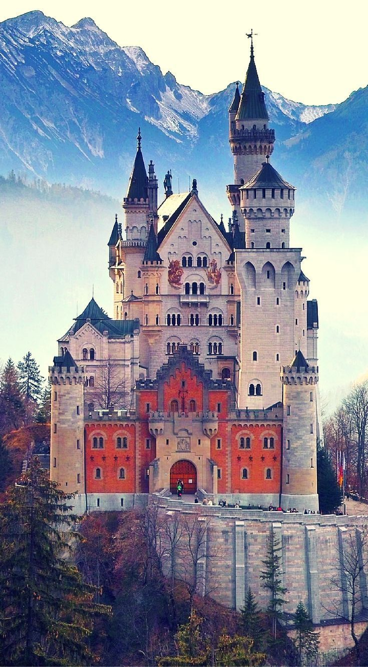 Neuschwanstein Castle in Germany is one of the most photograph castle in Europe #castle #Europe #photography