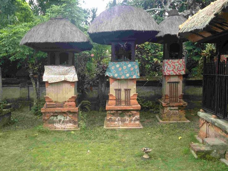 Reasons to Join Me in Bali #5: Visiting a 400-Year-Old Family Compound