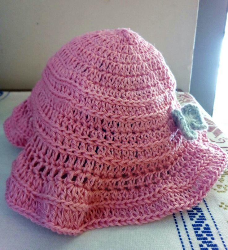 Crochet baby's summer hat