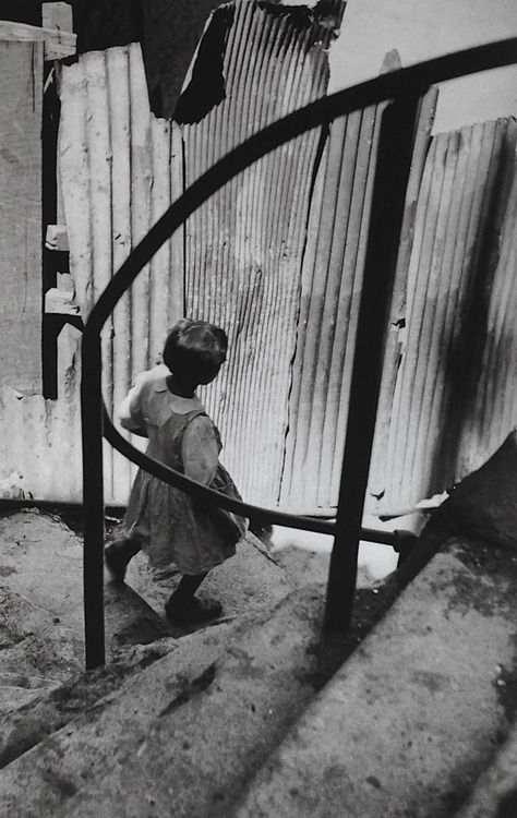 Valparaiso Chile 1953 Photo: Sergio Larrain