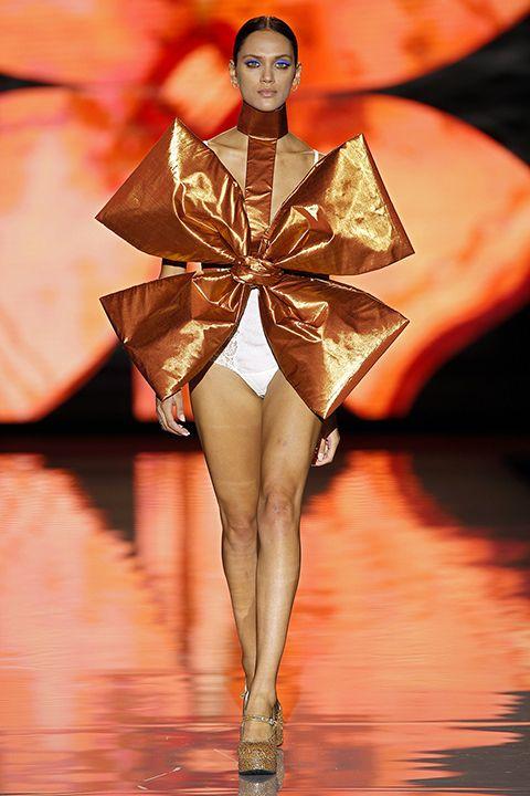 Madrid Fashion Week 2016: Rossy de Palma y las cuatro estaciones de Andrés Sardá…