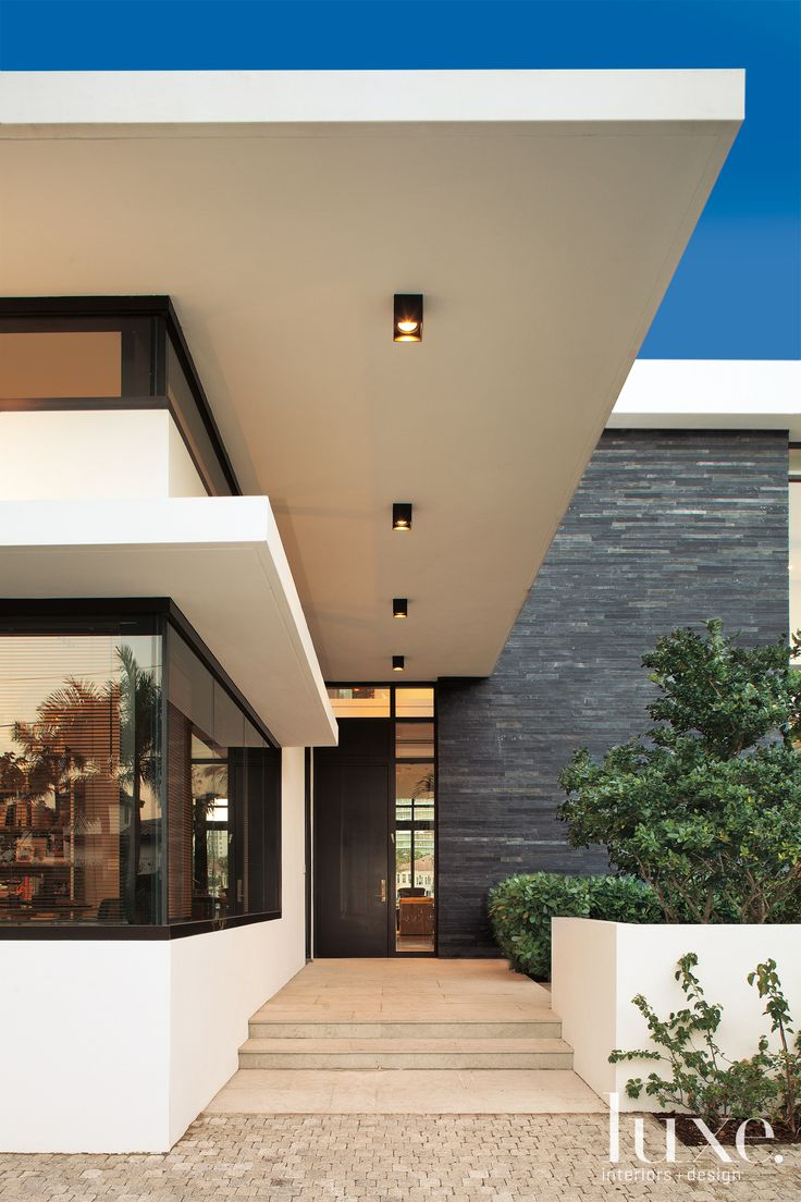 Modernist entryway from #luxe