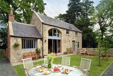 Looking for a perfect #Summer #Holiday destination in Warwickshire,  Furzen Hill Farm offers a complete and exciting  Holiday package for you and also for your #family.