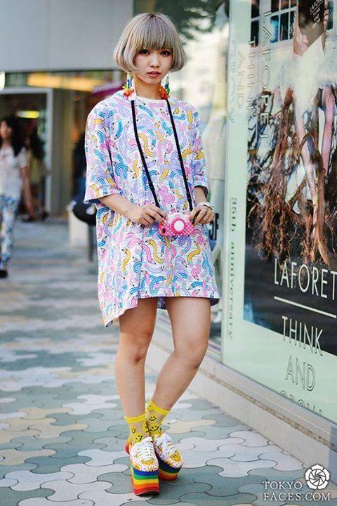 La #photo du jour : japan street style ! Tokyofaces Plus de photos sur Pinterest : https://fr.pinterest.com/JournalduJapon/japan-street-style/ #Japan