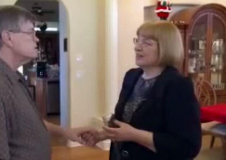 Dieamerikanische Ärztin Mary Newport sorgt für Aufsehen mit ihrer Idee, Kokosöl als echte Supernahrung für das Gehirn anzusehen. Sie glaubt, dass das Öleine echte Geheimwaffe gegen Alzheimer sein kann.Wenn sie Recht behält, könnte es die Behandlung der Hirnkrankheit revolutionieren. Der Hintergrund Dr. Newport hat eine ganz persönliche Verbindung zu Alzheimer, seit bei ihrem Ehemann Steve