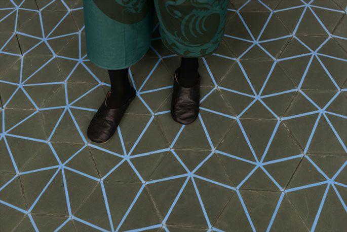 Emery & cie - Carrelages - Ciment - Exemples - Vitrines - Automne 2013 - Modèles - Hexagones Geometriques - 179 - Page 05