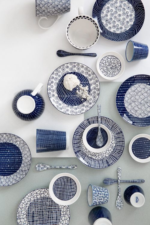 Opdrachtgever, Millermedia voor Tokyo Design Studio. Styling, Iris van der Meer. Fotografie, Peggy Janssen. Servies, tableware, ceramics, food, colorful, blue, creative, print, white, still