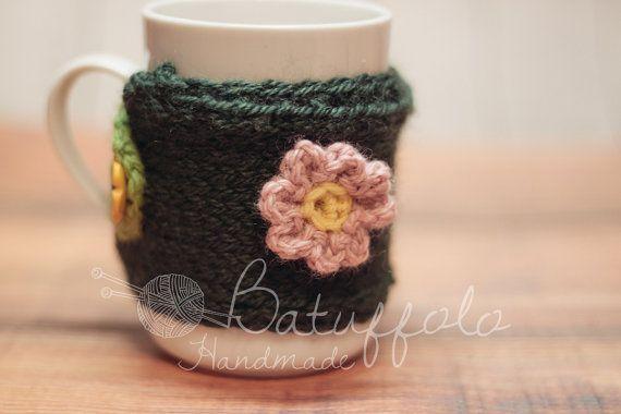 Copri tazza - mug fatto a maglia con prato fiorito