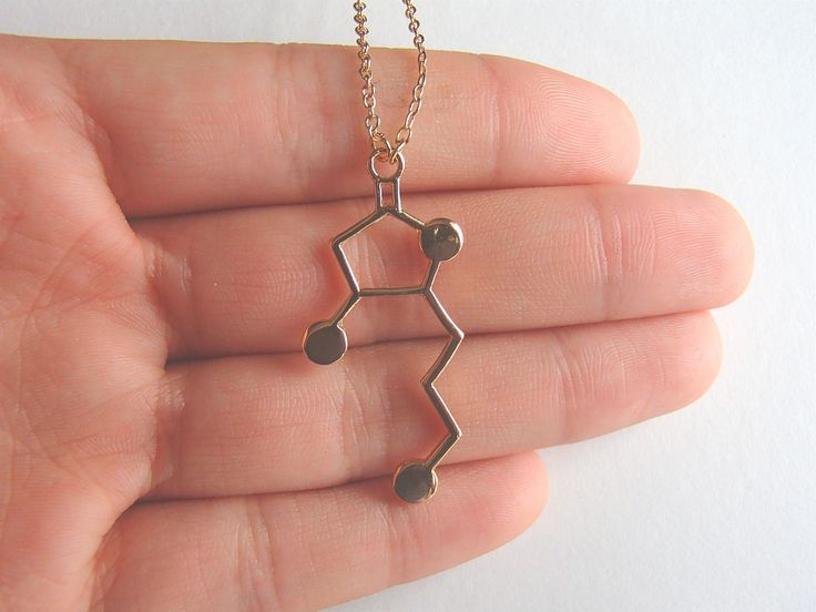 Whisky Molecule Inspired Necklace for Whisky Lovers and Enthusiasts. Unique jewelry design with a nerdy touch. Available in 2 colors - gold and silver Pendant Size : 1.5cm*2.4cm Chain Length : 45cm