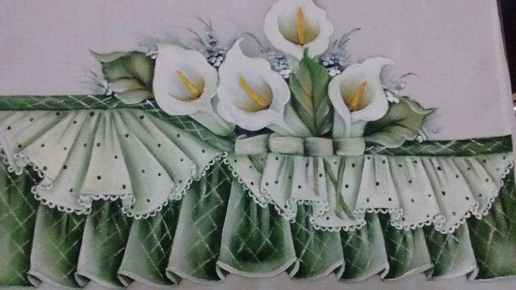 pano de prato pintado a mão com falso barrado imitando tecido com babados