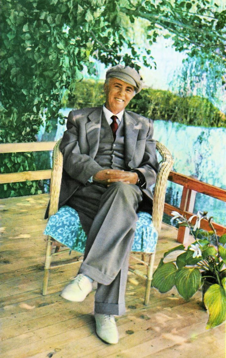 pictures of Enver Hoxha
