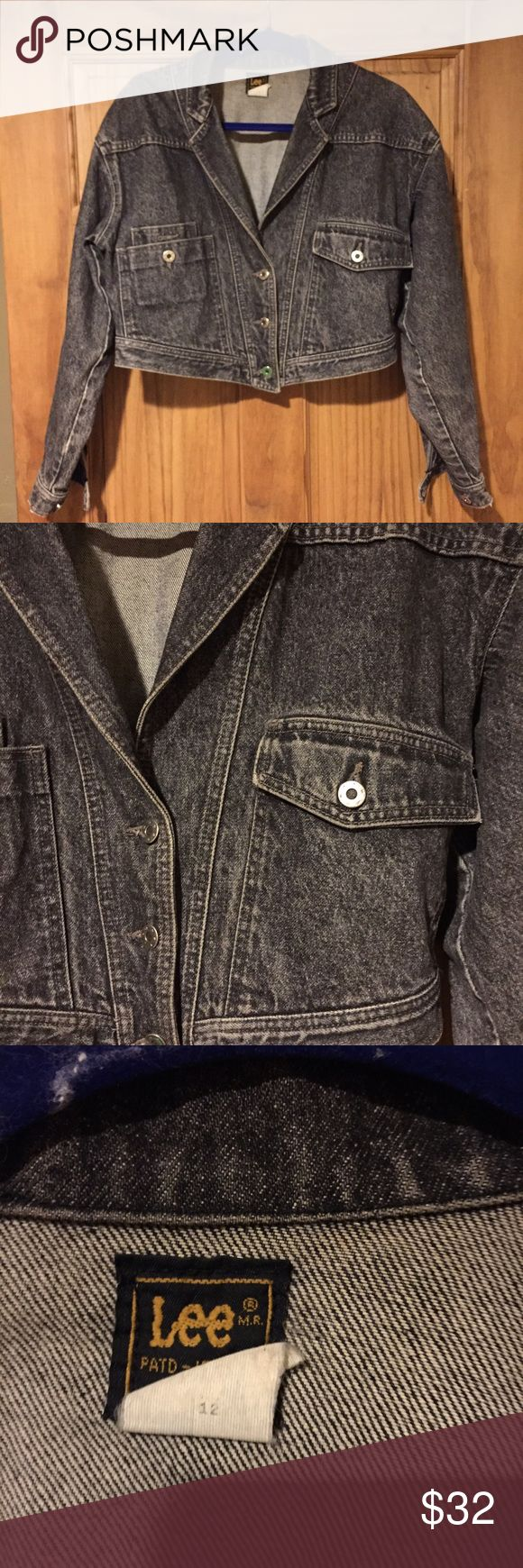 Lee vintage stonewash denim jacket size medium Stonewash gray denim jacket slightly cropped two pockets in front button up very 90s size medium great condition Lee Jackets & Coats Jean Jackets