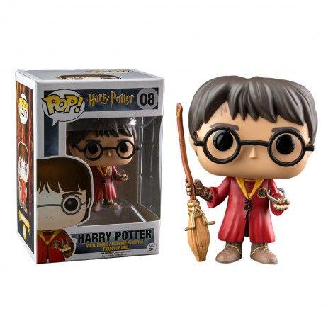 Edition très spéciale de la figurine POP! de Harry Potter, en pleine partie de Quidditch. Balais d'une main et vif d'or de l'autre, cette figurine est rare, idéal pour collectionneurs !