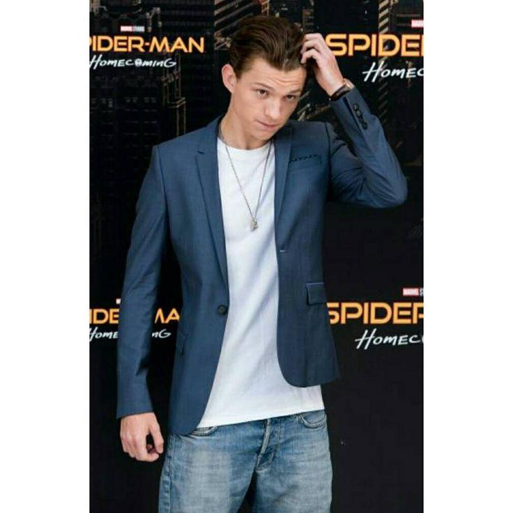 "[NEW] Tom at the ""Spider-Man: Homecoming"" photocall at Villa Magna hotel today in Madrid, Spain!  —   Tom en la rueda de prensa para ""Spider-Man: Homecoming"" en el Hotel Villa Magna en Madrid hoy!  @tomholland2013 | #tomholland #spidermanhomecoming"