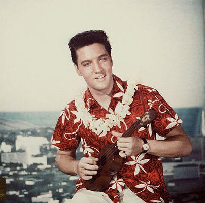 Elvis in Hawaiian-print shirt (Blue Hawaii ???)