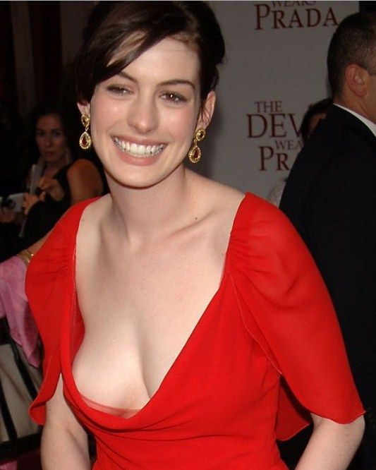 celebritiesuncensored:  Anne Hathaway