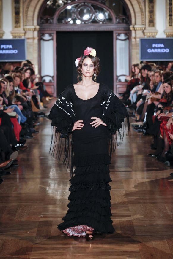pepa garrido | flamenco dress & fashion | trajes flamenco | BLACK FLAMENCO DRESS  Flamenco boutique: flamencoboutique.com Facebook.com/flamencoboutique