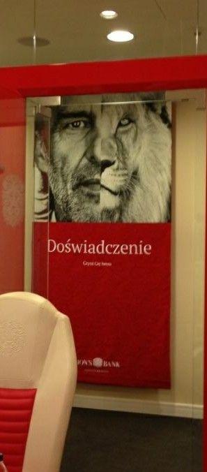 Lions bank - hafty na planszach reklamowych