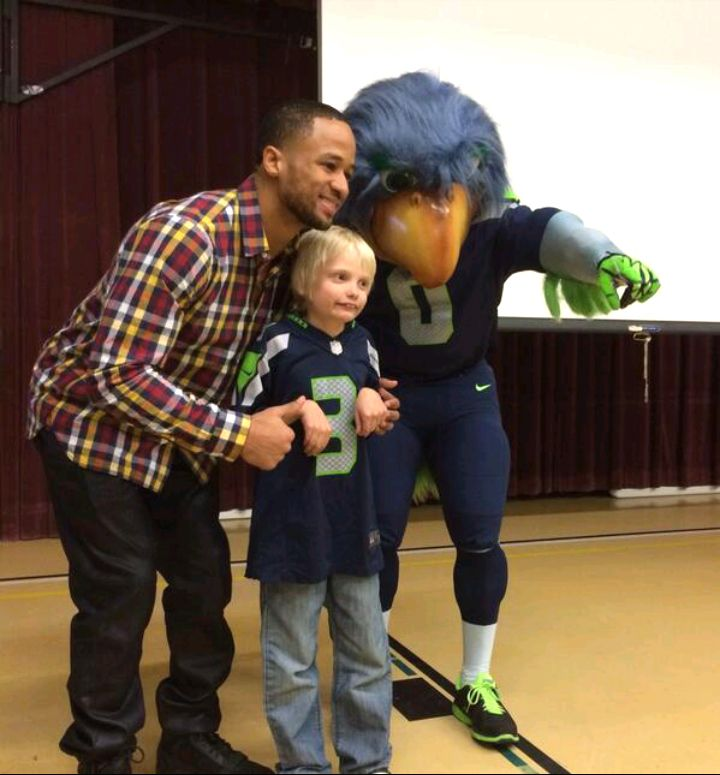 Play 60 Tuesday at Lea Hill Elementary --- Enter your kid's King County school for a Play 60 Tuesday with the Seahawks! http://shwks.com/tuesday