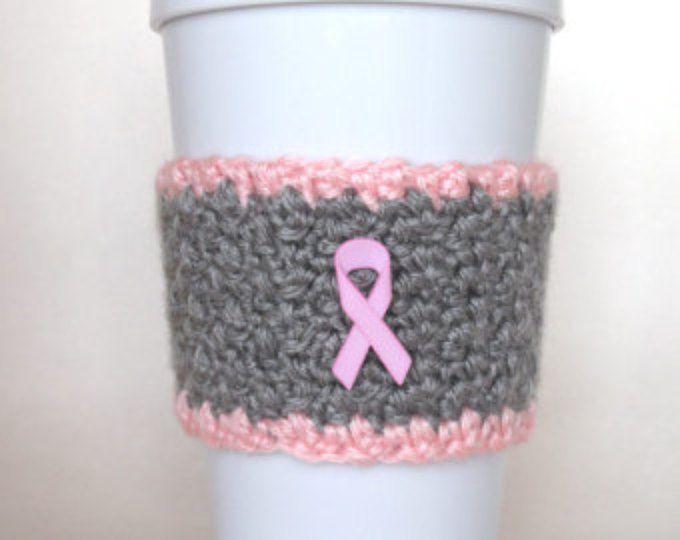 Taza de café conciencia del cáncer de seno acogedor de ganchillo