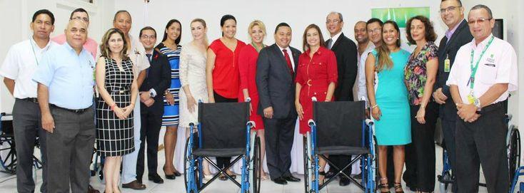 Los mormones en Panamá contribuyen al socorro de personas necesitadas . Esta importante donación de sillas de ruedas es un claro ejemplo.