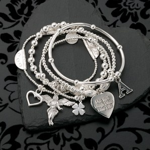 Annie Haak: Sama My Guardian Angel Charm Bracelet. Somebody please note its my 30th this year :-)