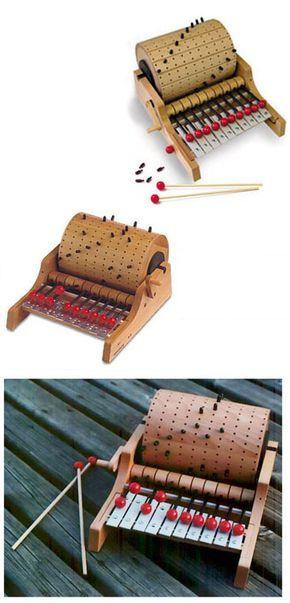 "Sí, carísimo incomprable, delirio. Pero está buenísimo, capaz alguien entiende cómo hacer un ""amigable e inspirado"" instrumento similar. Precioso. Naef Gloggomobil Wooden Organ Musical Instrument | NOVA68 Modern Design"