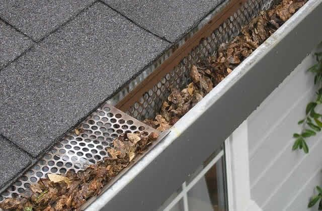 Sunday Morning Tip For Feb 16 How To Install Gutters That Keep Out Leaves And Debris How To Install Gutters Spring Home Driftwood Mirror