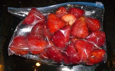 How to freeze fresh berries....need to know this cause I have a million in my strawberry patch right now!!!!