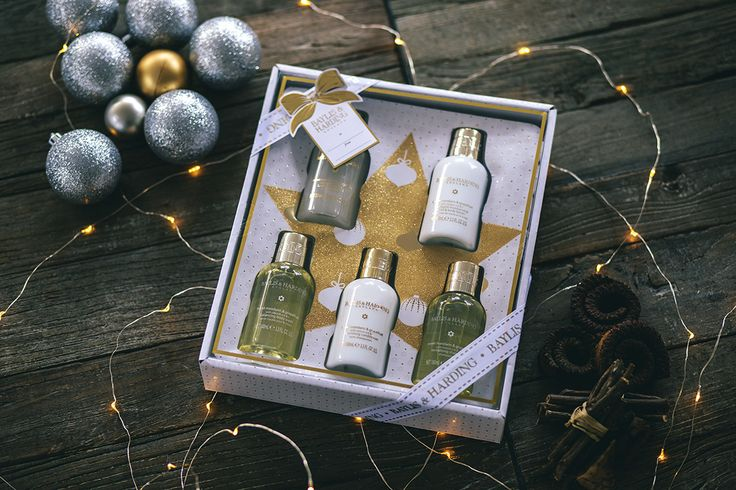 If you're dreaming of a bright Christmas, our Sweet Mandarin & Grapefruit gift sets are presents that really shine.  Perfect pamper presents for someone special.