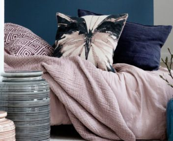 Color Trends 2017: That Everyone Will Be Talking About This Year ➤ Discover the season's newest designs and inspirations. Visit Design Build Ideas at www.designbuildideas.eu #designbuildideas #homedecorideas #colorschemeideas @designbuildidea