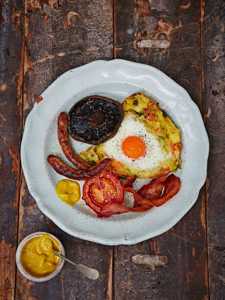 Used Oliver's idea of tomatoes on the side but replaced the meat with leftover turkey Bubble & Squeak | Pork Recipes | Jamie Oliver Recipes
