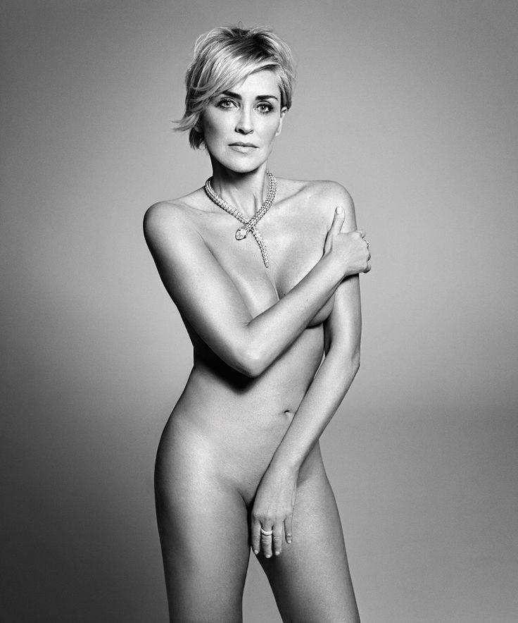 В 57 она отважилась на эротическую фотосессию и взбудоражила умы миллионов... Роковая Шэрон Стоун!