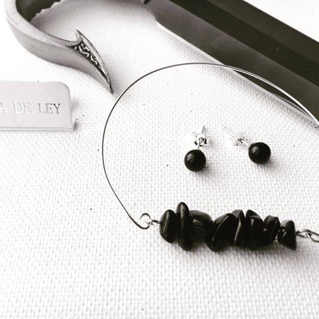 @lilit.es goth style silver & onix bracelets & earrings www.tiendapija.com @lilit.es Dark goth bracelets & earrings by #margalgau #onix #gothic #gothgirl #gothlolita #lolita #earrings #pendientes #bracelets #necklace #anillos #colgantes #jewelry #witch #instafashion #instachic #instapic #instatrend #goodnight #toledo #madeinspain #nightlife #gargantilla #love #black #gothgoth #gotico #bisuteria #bijoux #schmuck @nana_by_margalgau