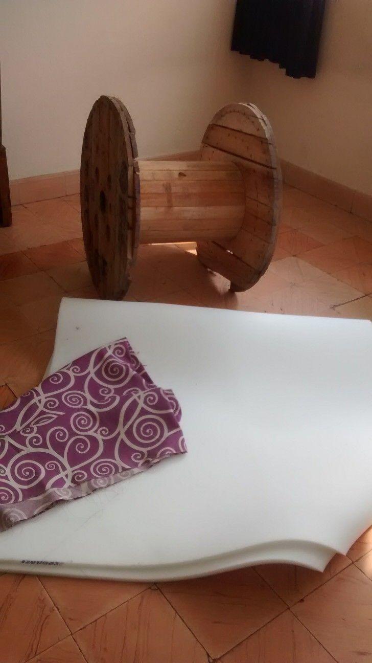Material: Bobina, tela y esponja