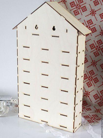Купить или заказать Адвент-календарь заготовка 31 ящичек в интернет-магазине на Ярмарке Мастеров. Рождественский календарь, домик с 31 ящичком, позволит хранить вашему малышу, в нем, всякие мелочи и секретики) Отличный подарок на праздник для малыша!!! И не только - рукодельница может хранить в таком домике море своих мелочей! А одна бабушка на выставке, подсказала, что хорошо бы такой домик использовать для семян... А как его будете использовать вы - подскажет ваша фантазия))) Размер…
