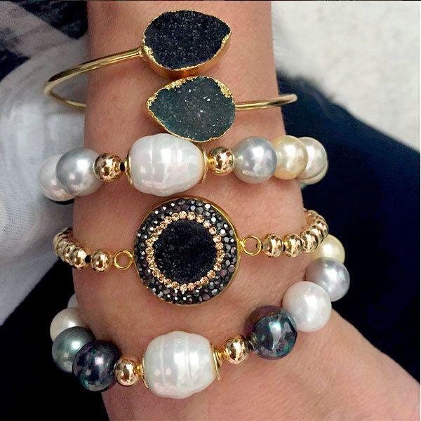 Set By Vila Veloni Black And White Mallorca pearls Bracelets