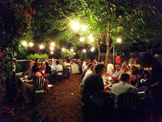 Beer garden scene at Calistoga Inn, Restaurant and Brewery