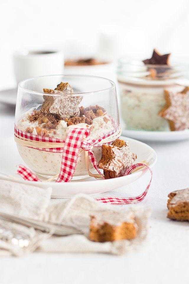 Die weiße Lebkuchen-Mousse ist ein herrliches Weihnachtsdessert. Oder auch eine schöne Idee zur Resteverwertung. Einfach und schnell zubereitet.