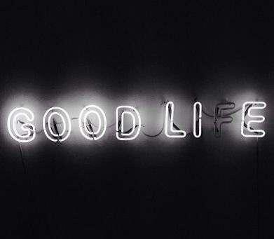 Ist es ein gutes Leben? Ist es eine gute Lüge? Lebe authentisch. Lebe die Wahrheit in allem, was du tust, Freund. | Kümmere dich um dein eigenes Geschäft mindyourownbiz.al …