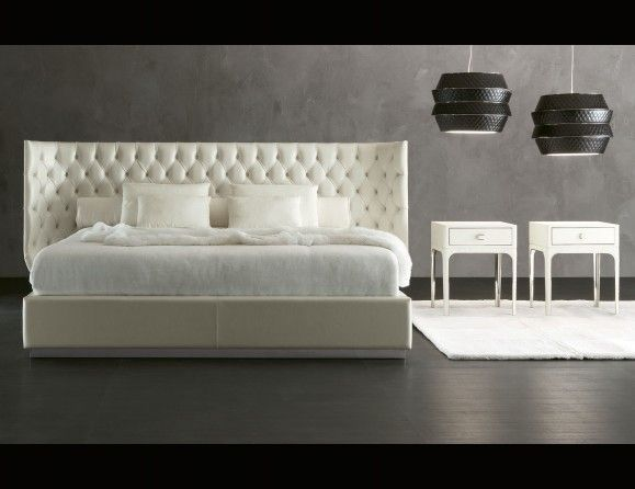 Nella Vetrina Rugiano Charme W05 upholstered Bed