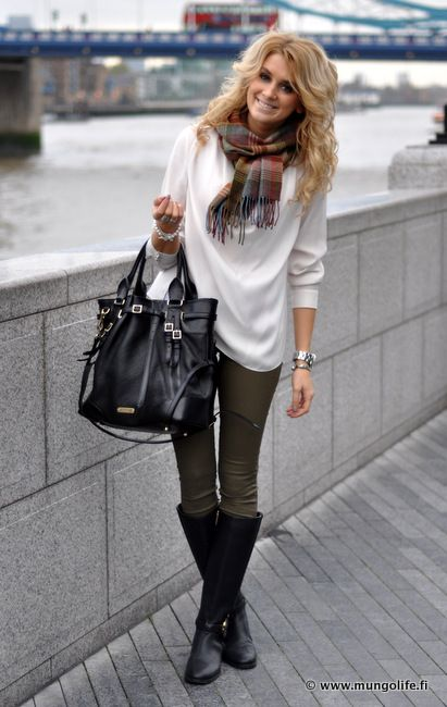 Olive pants, White sweater, Black accents. Cute for City Style. I love that bag.