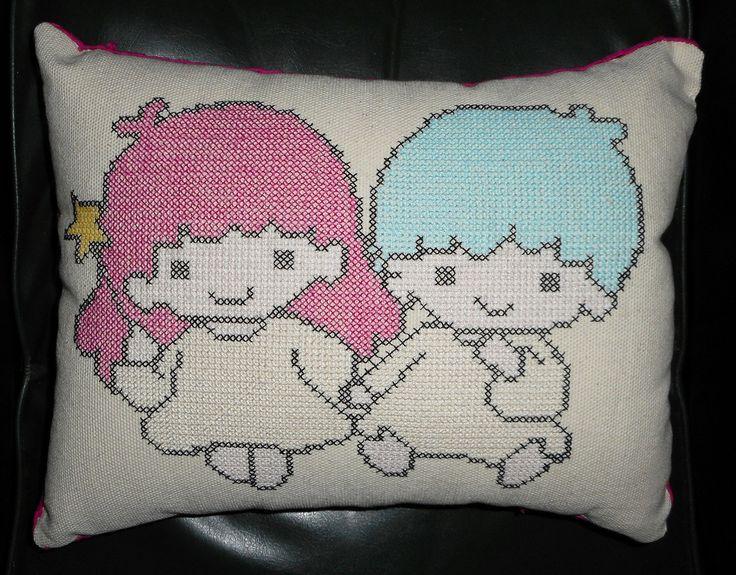 Almohadon Little Twins II. $ 220.-
