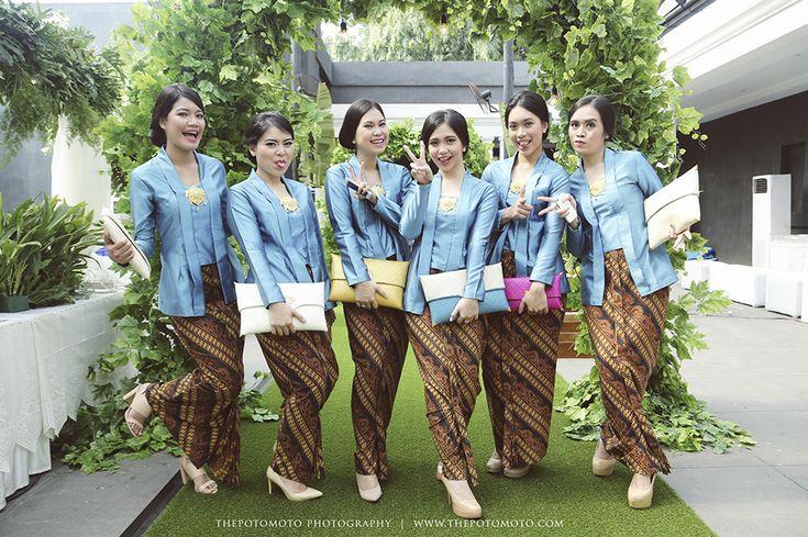 Outdoor Javanese Wedding at De La Rossa Kemang - Thepotomoto - Tiwi